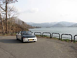 会津磐梯・喜多方ツーリング/檜原湖をバックにビートの記念撮影